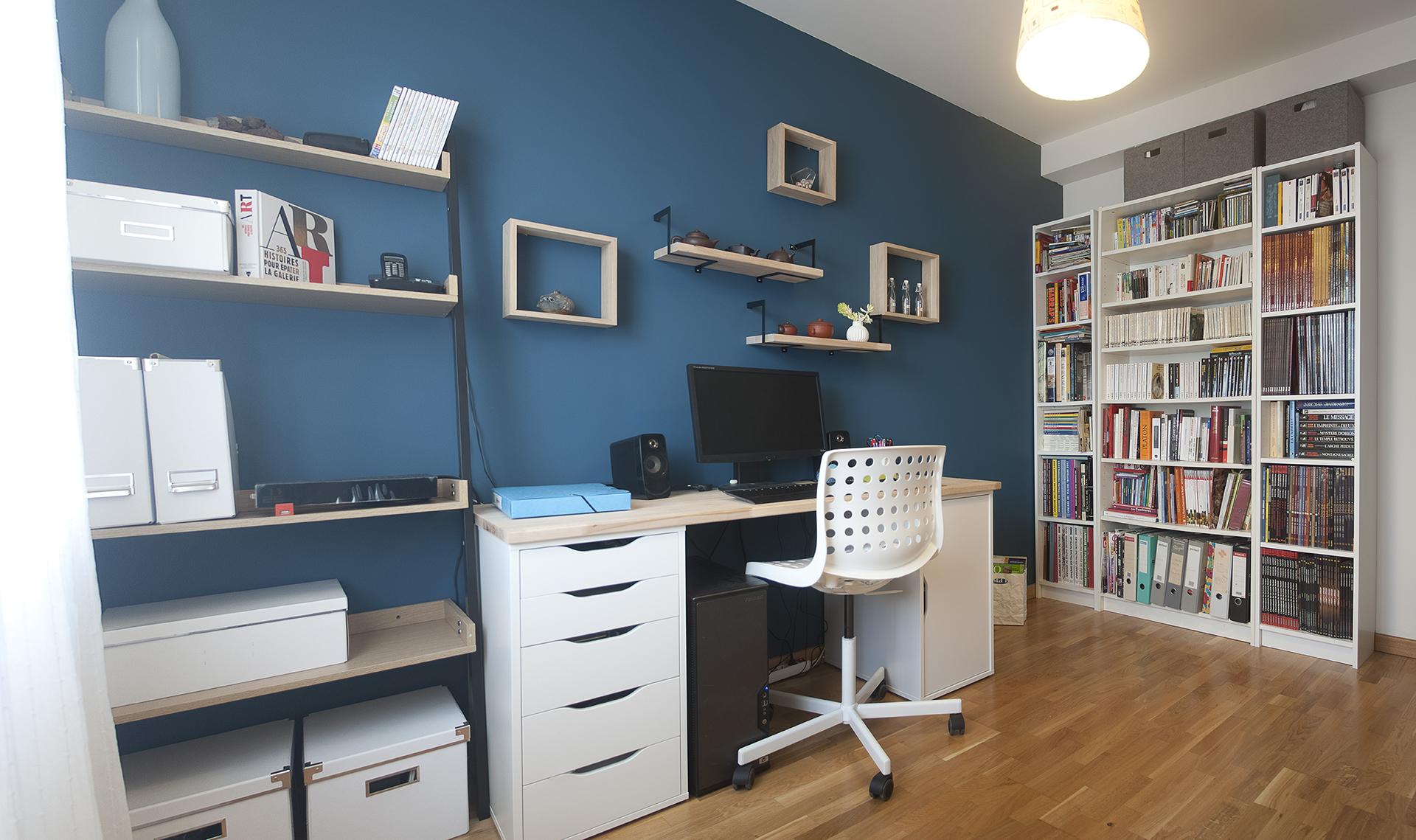 Un bureau couleur bleu paon d co et des couleurs - Couleur bleu paon ...