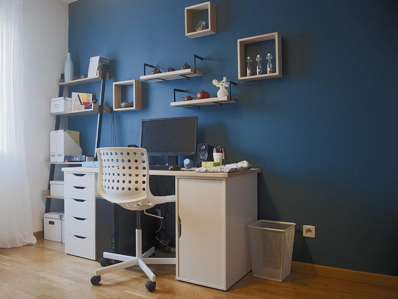 bureau couleur bleu paon